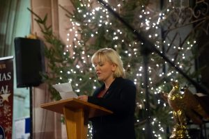 Amanda Woodward, general manager of Tamworth Co-op      Funeral Service, welcomes congregation.