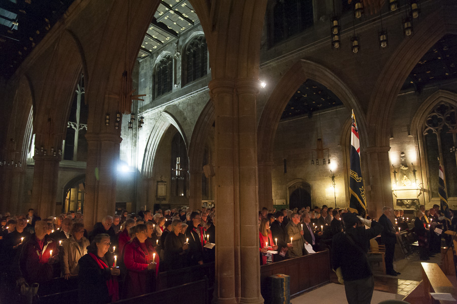 Hundreds gathered for Tamworth Co-op carol and memorial service at St Editha's Church.