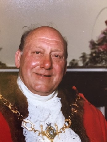Former Tamworth Mayor Derek Owen